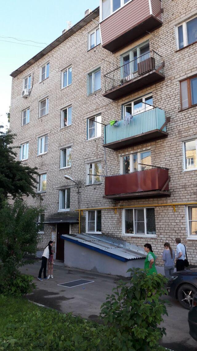 В Одессе мать вытолкнула ребёнка из окна 5 этажа и выпрыгнула сама (иллюстрация)