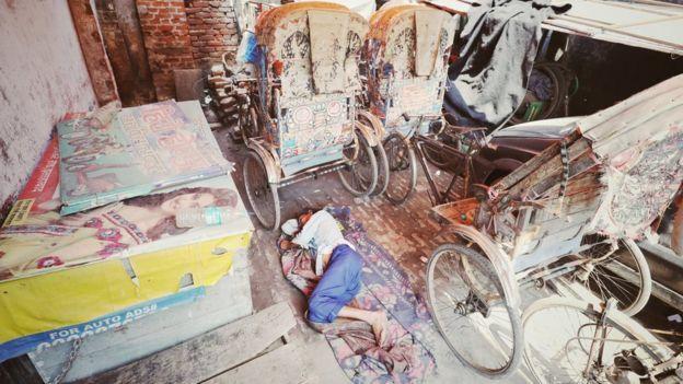 В Индии ввели жесткий карантин из-за коронавируса