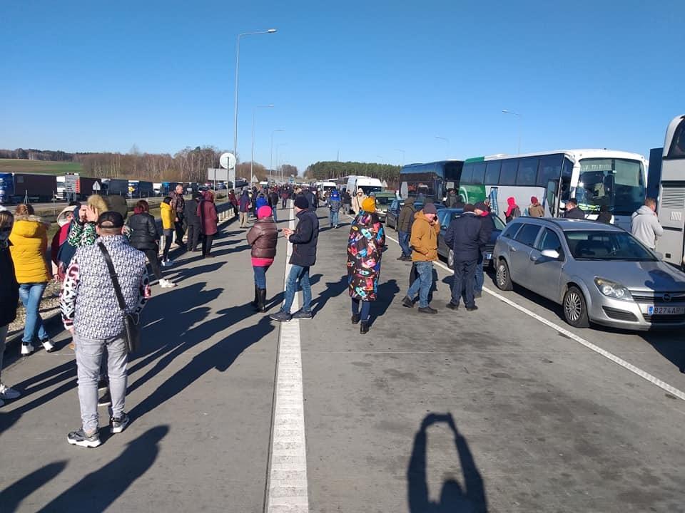 Черги на кордоні Польші та України, 15 березня
