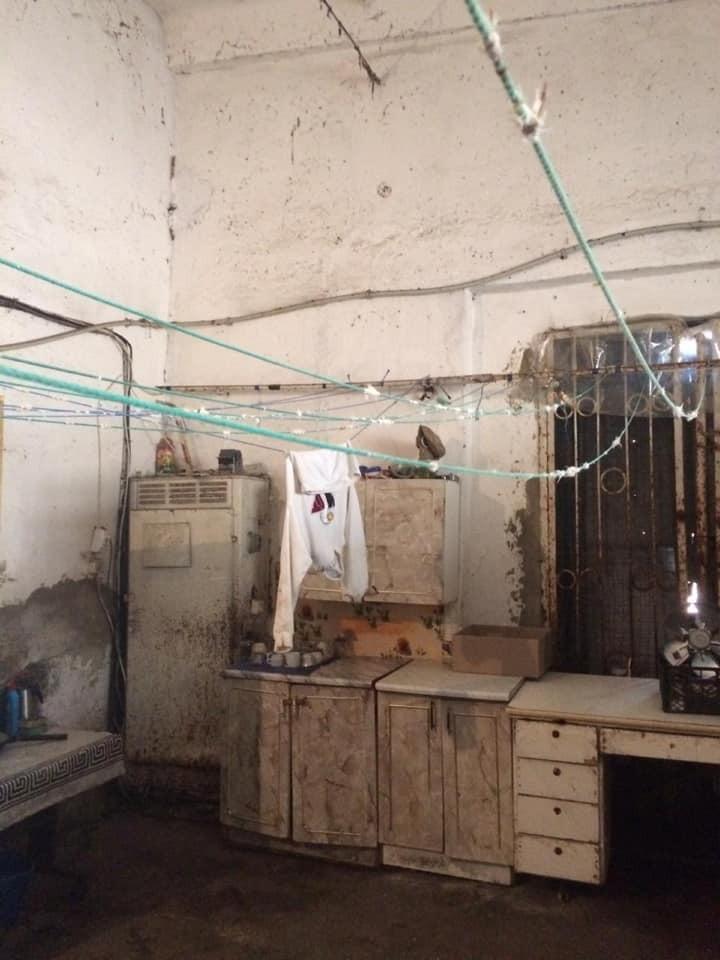 Іржа, цвіль і бруд: фото лікарні на Закарпатті шокували українців