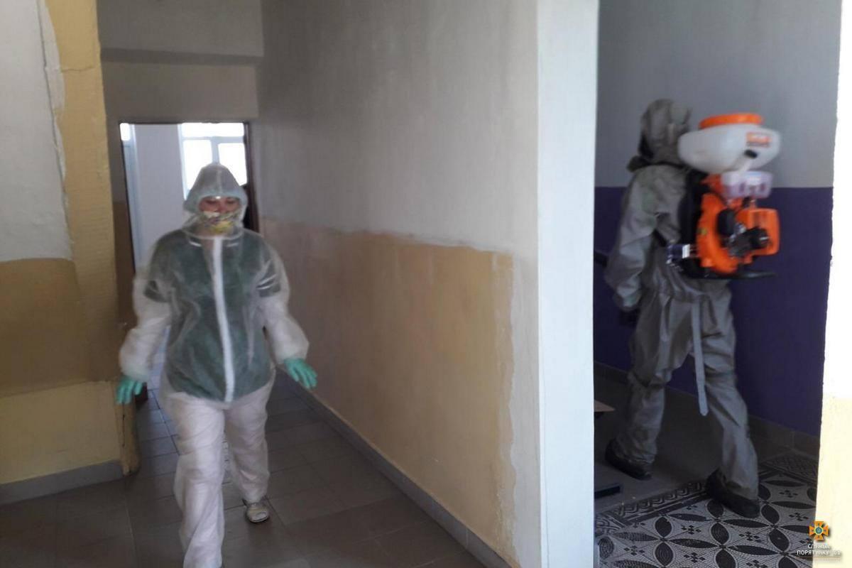До заражених ідуть в одній масці: в Україні вже 8 медиків підчепили коронавірус