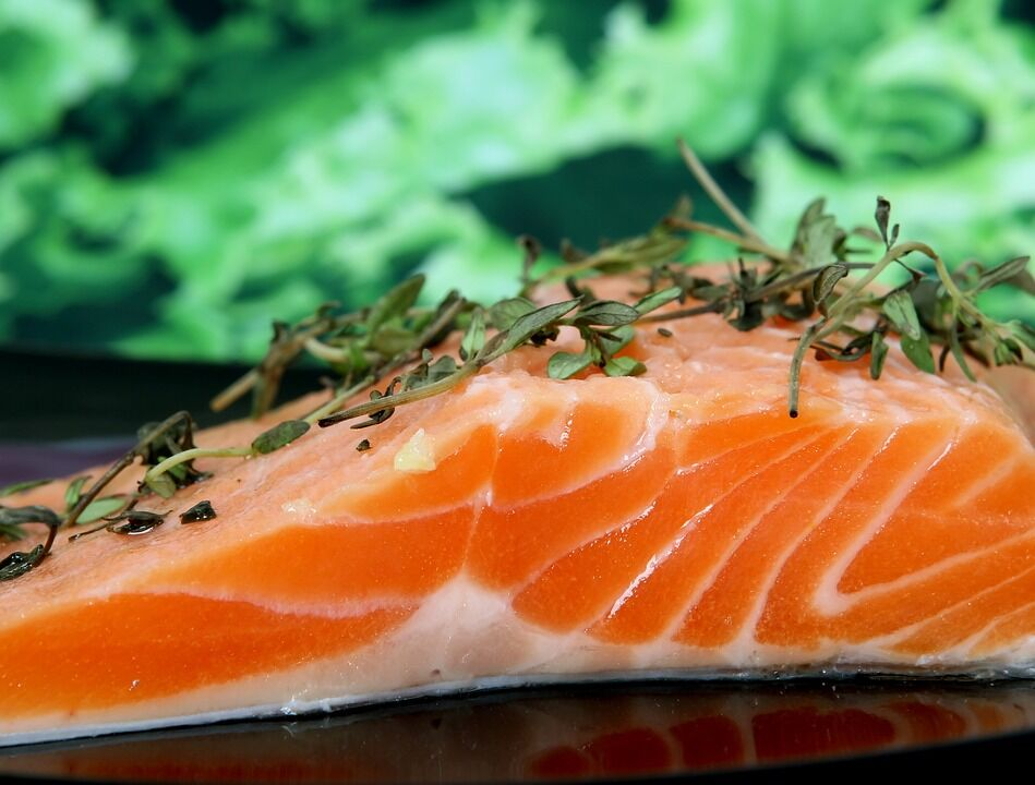В Благовещение можно употреблять горячую пищу с растительным маслом, рыбу и вино