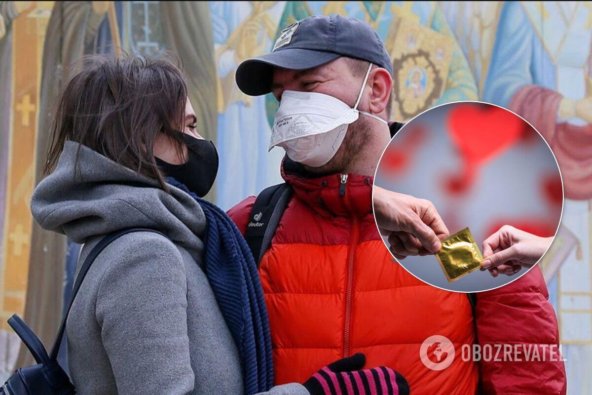 Поцелуи через маску тоже не спасут от заражения коронавирусом
