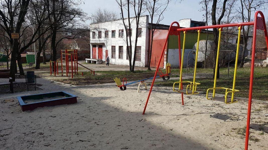 Закрытые детские площадки