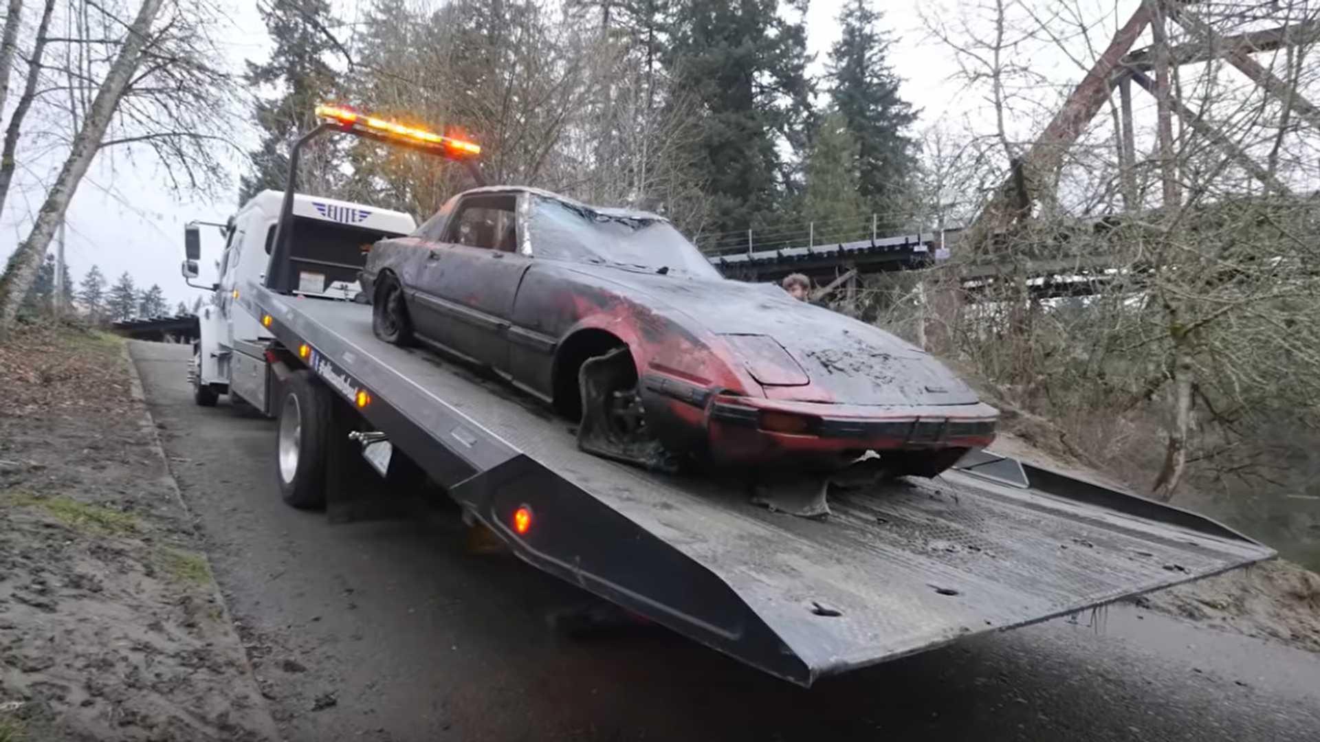 Скорее всего, восстановить Mazda RX-7 невозможно