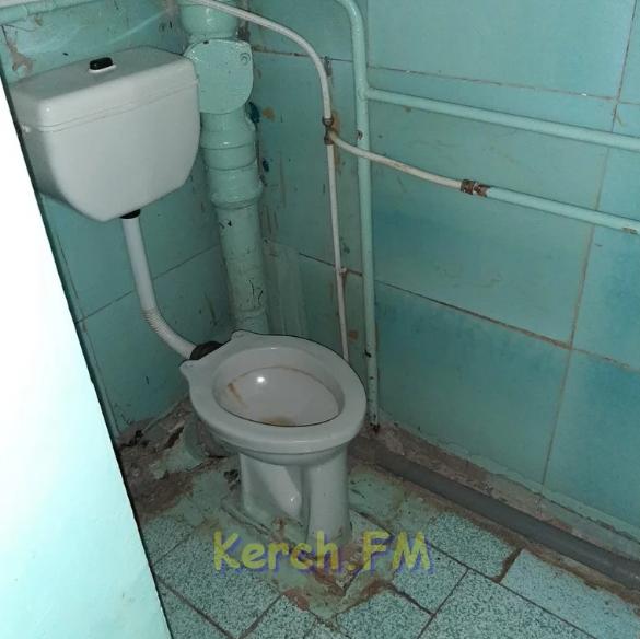Інфекційна лікарня в окупованій Керчі