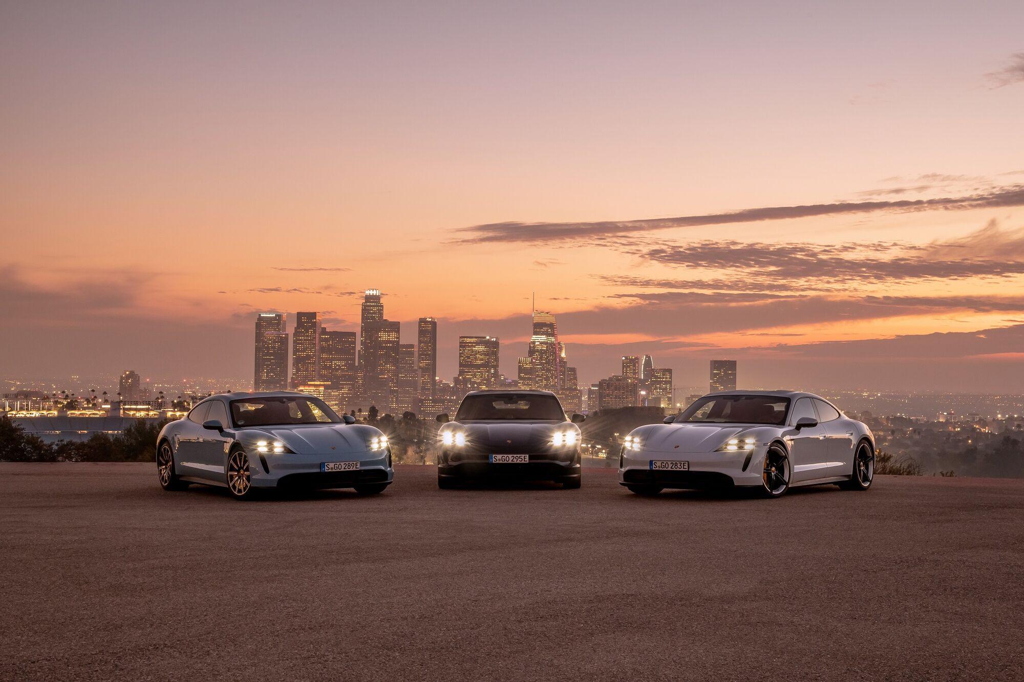 Семейство электрических суперкаров Porsche Taycan