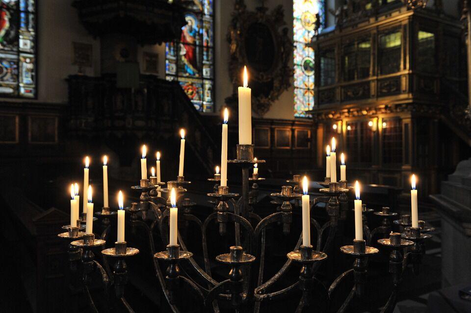Православные в Чистый четверг исповедуются и причащаются