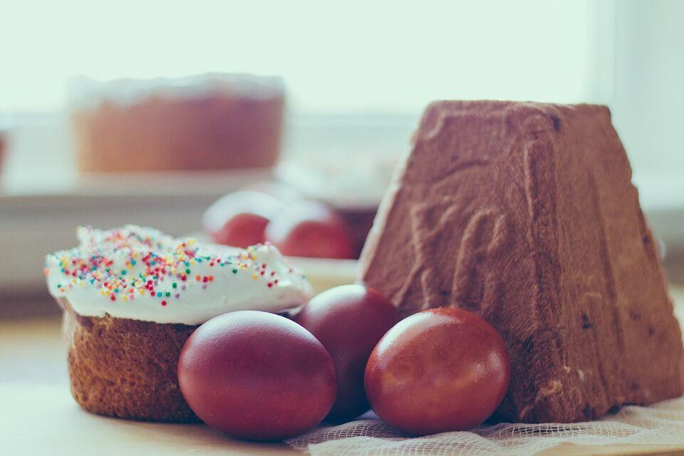 В Чистый четверг принято печь куличи и красить яйца