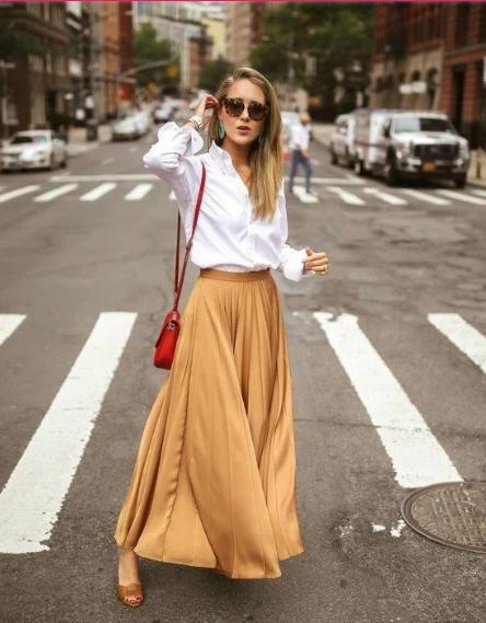Как стильно носить белую рубашку весной: топ-5 вариантов на все случаи жизни