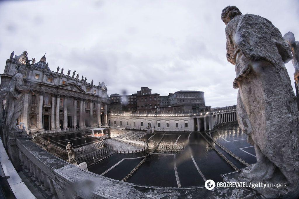 Франциск помолився про порятунок світу від пандемії на порожній площі