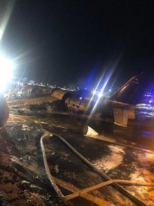У Манілі розбився літак