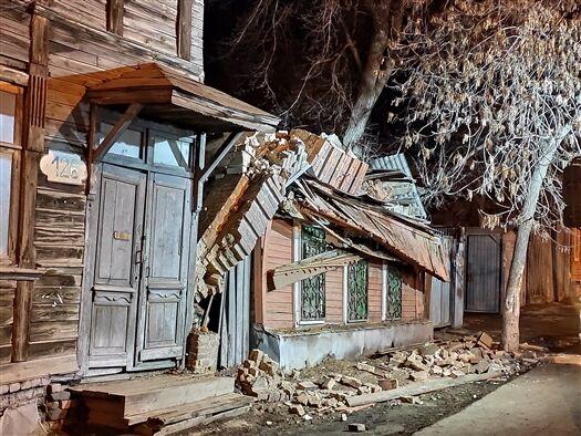 В России обрушился многоквартирный дом: люди оказались под завалам