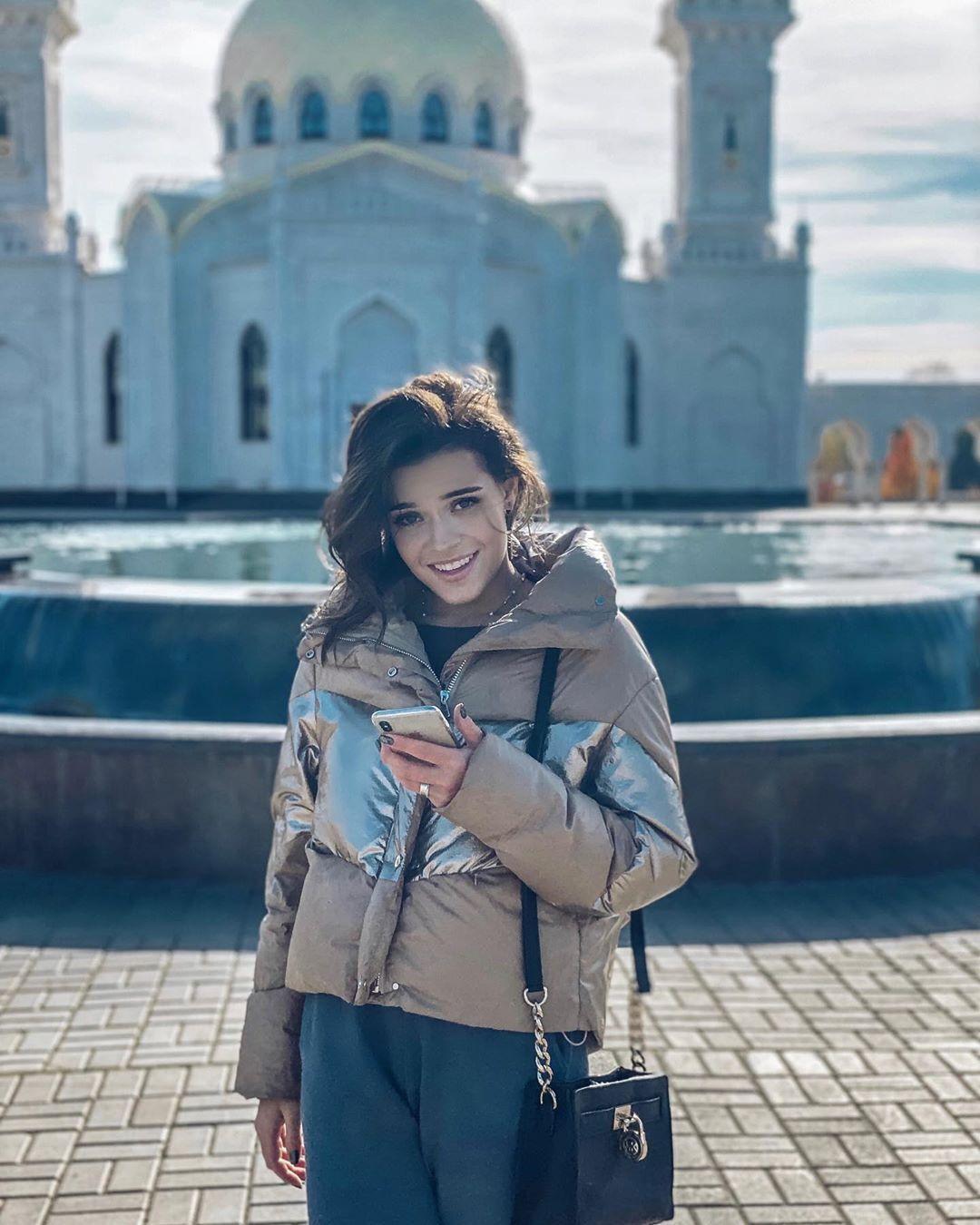 Аделіна Сотникова