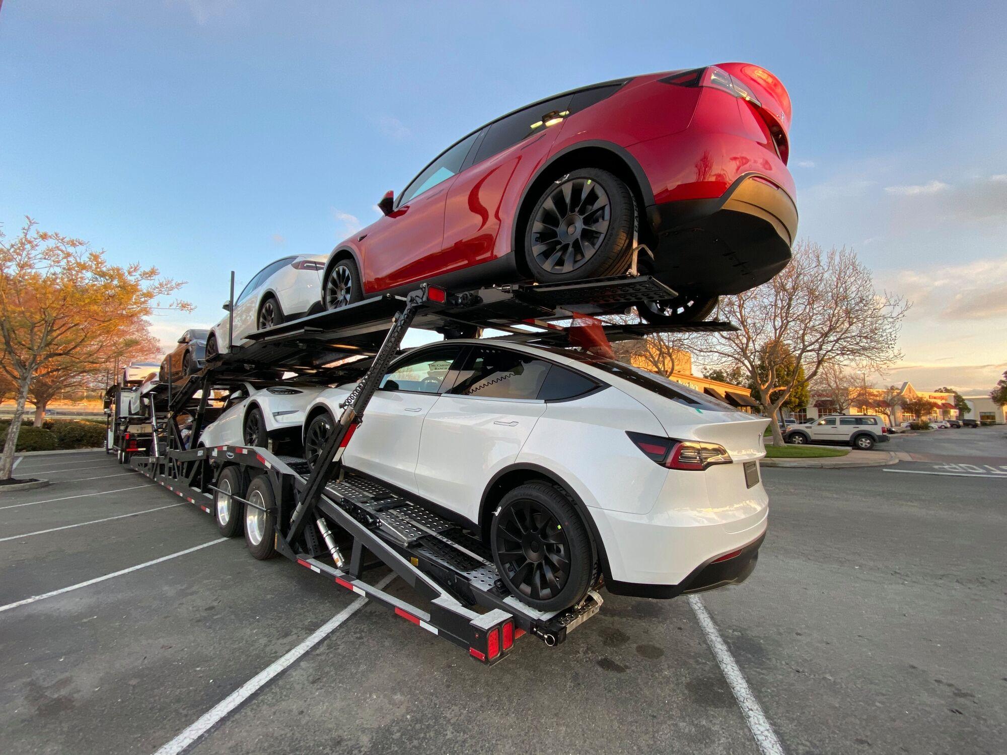 Електромобіль Tesla Model Y