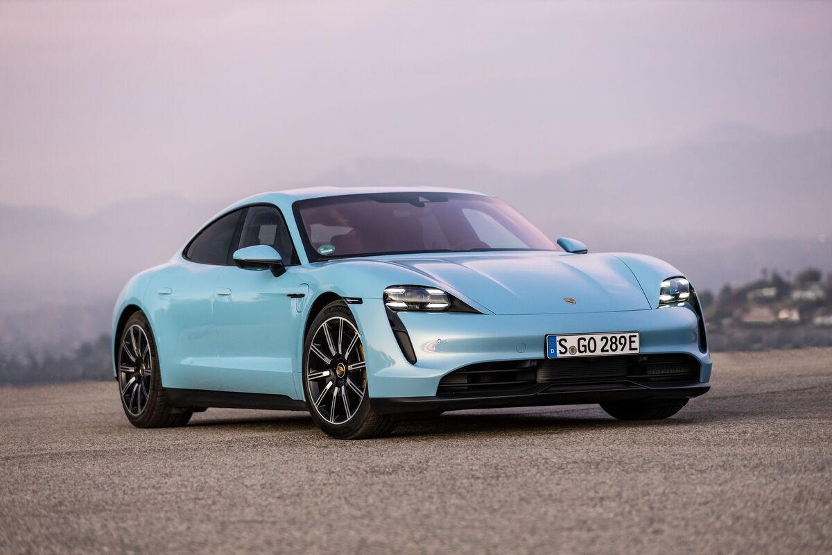 Porsche Taycan вошел в тройку лидеров конкурса
