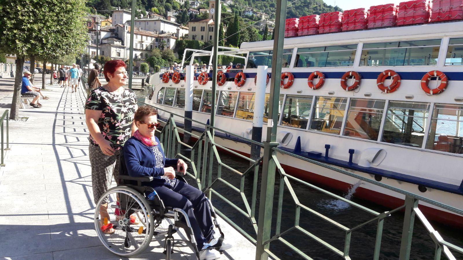 В Италии Елизавета ухаживала за пожилыми людьми