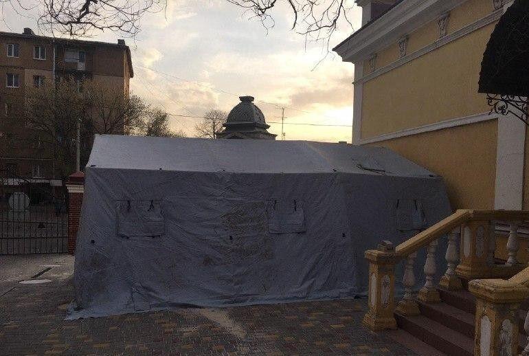 На Одещині хворих на коронавірус прийматимуть в наметах