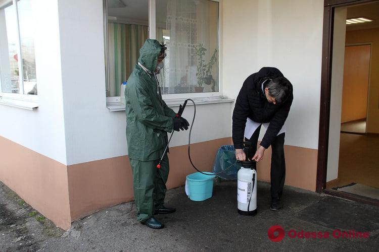 Коронавірус в Україні: в Одесі почали дезінфікувати електротранспорт