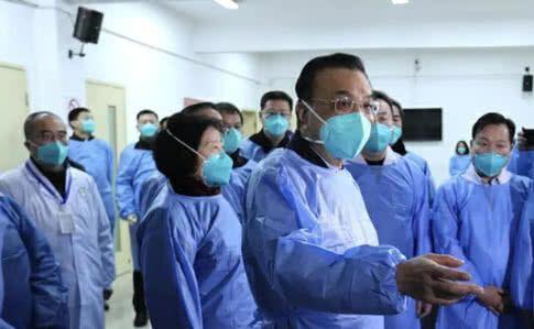 Медична маска - простий аксесуар, але ним потрібно вміти користуватися