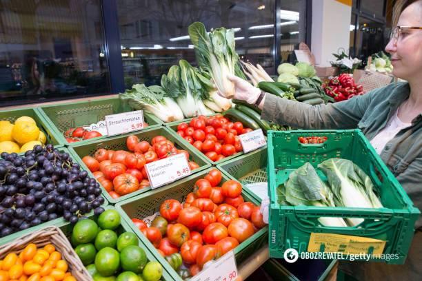 Не только нитраты: диетолог рассказал, чем опасны несезонные фрукты и овощи