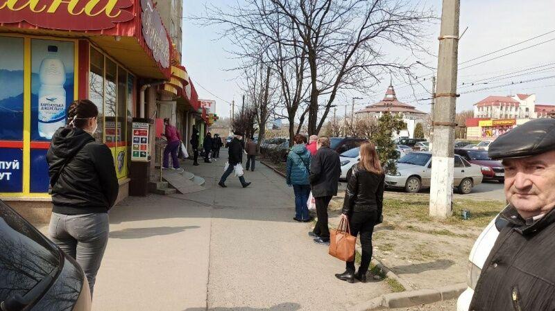 Месяц на карантине: чем живут Черновцы - один из очагов COVID-19 в Украине