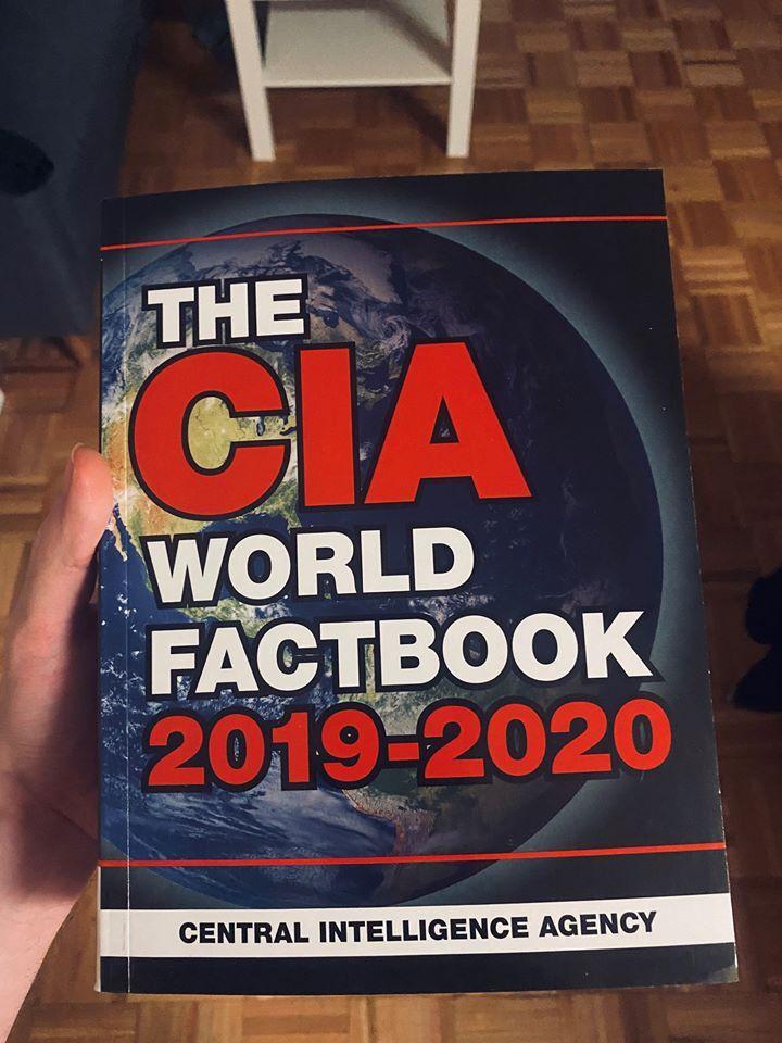 Книга, яка викликає у російських імперіалістів важку форму коронавірусу