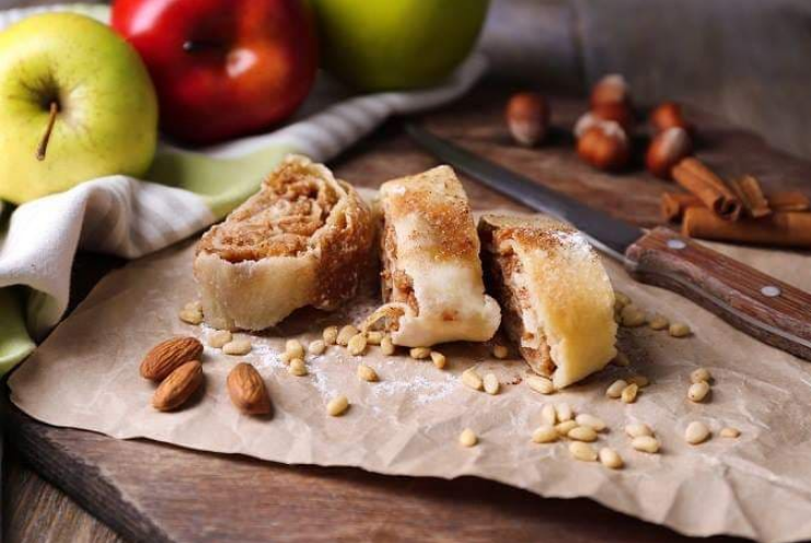 Яблучний штрудель з лаваша: авторський рецепт від дієтолога