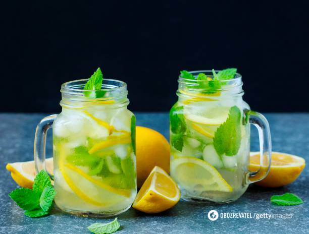 Не только сахар: диетологи рассказали, чем опасны лимонады