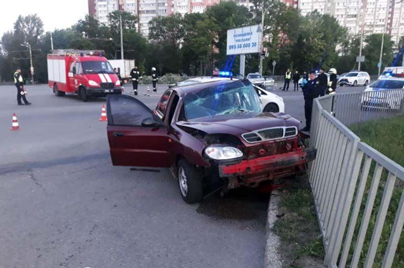 На Запорожском шоссе столкнулись два Daewoo Lanos