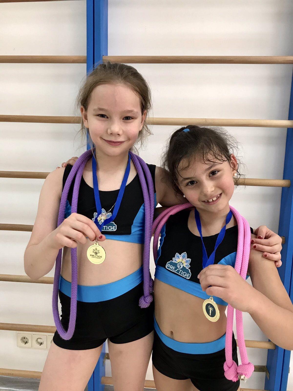 Kamaliya похвасталась спортивными успехами своей чемпионской семьи