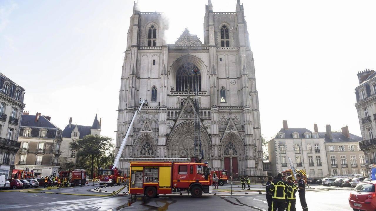 Пожарные локализовали пламя