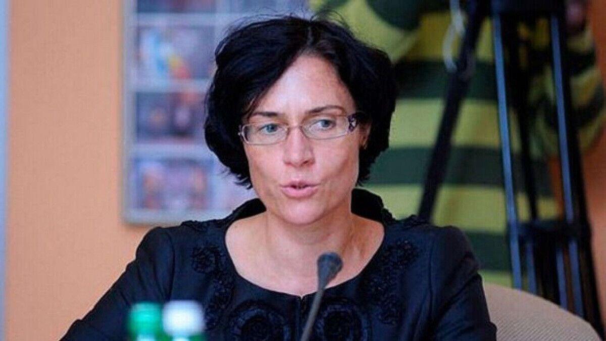 Елена Щербакова работает в Совете НБУ