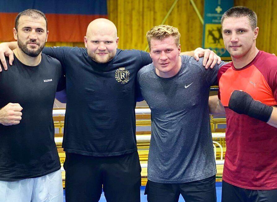 Слрава - налево: Сиренко, Поветкин, Шевадзуцкий