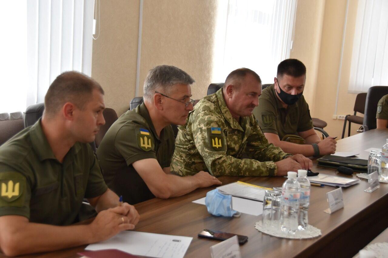 Украинская сторона в полном объеме выполняет договоренности на Донбассе