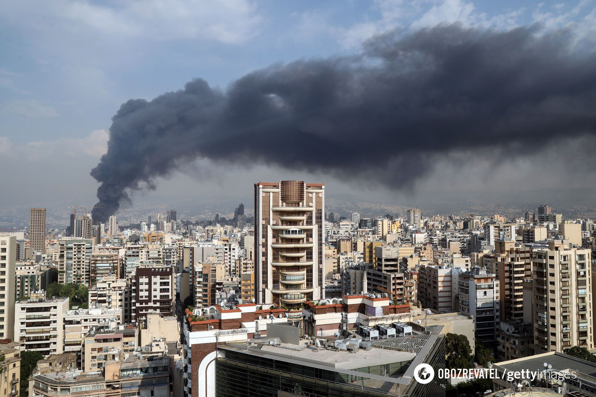Дим зі складів затяг половину столиці Лівану.