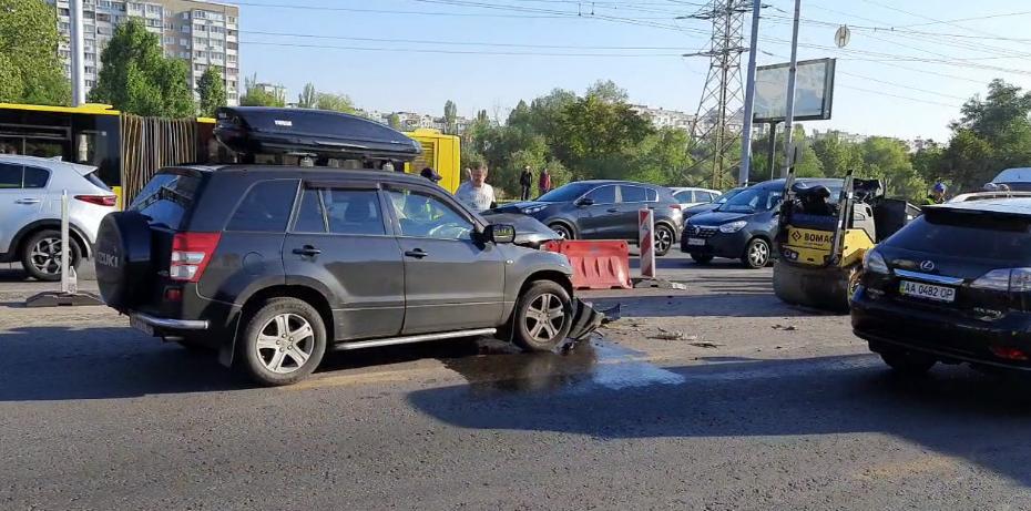ДТП на проспекті Степана Бандери в Києві.