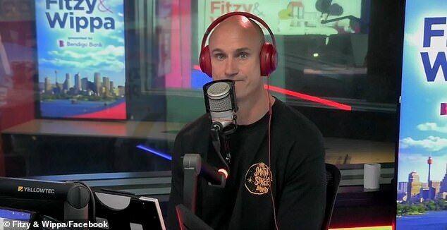 Радіоведучий розплакався під час прямого ефіру.