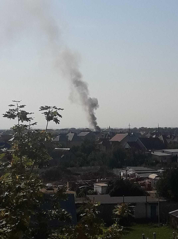 Дим пожежі було видно з різних частин Ужгорода.