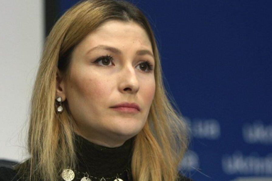 Еміне Джеппарова