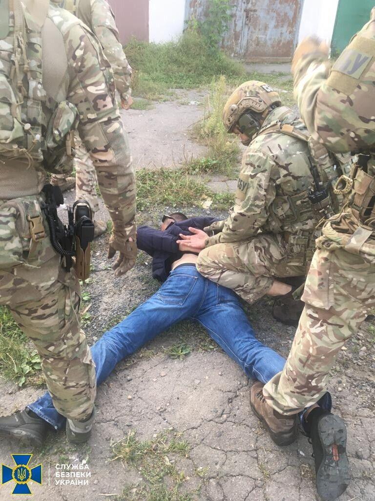 Момент задержания диверсанта ФСБ.