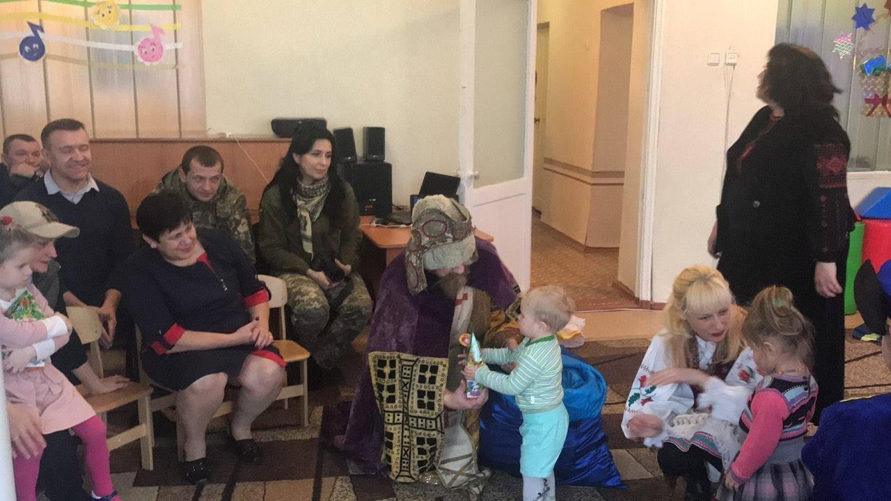 Свято в дитячому садку в Новолуганському.