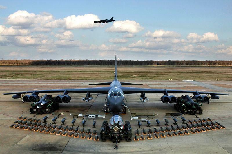 Американские В-52 пронеслись воздушным пространством Украины над Черным морем.