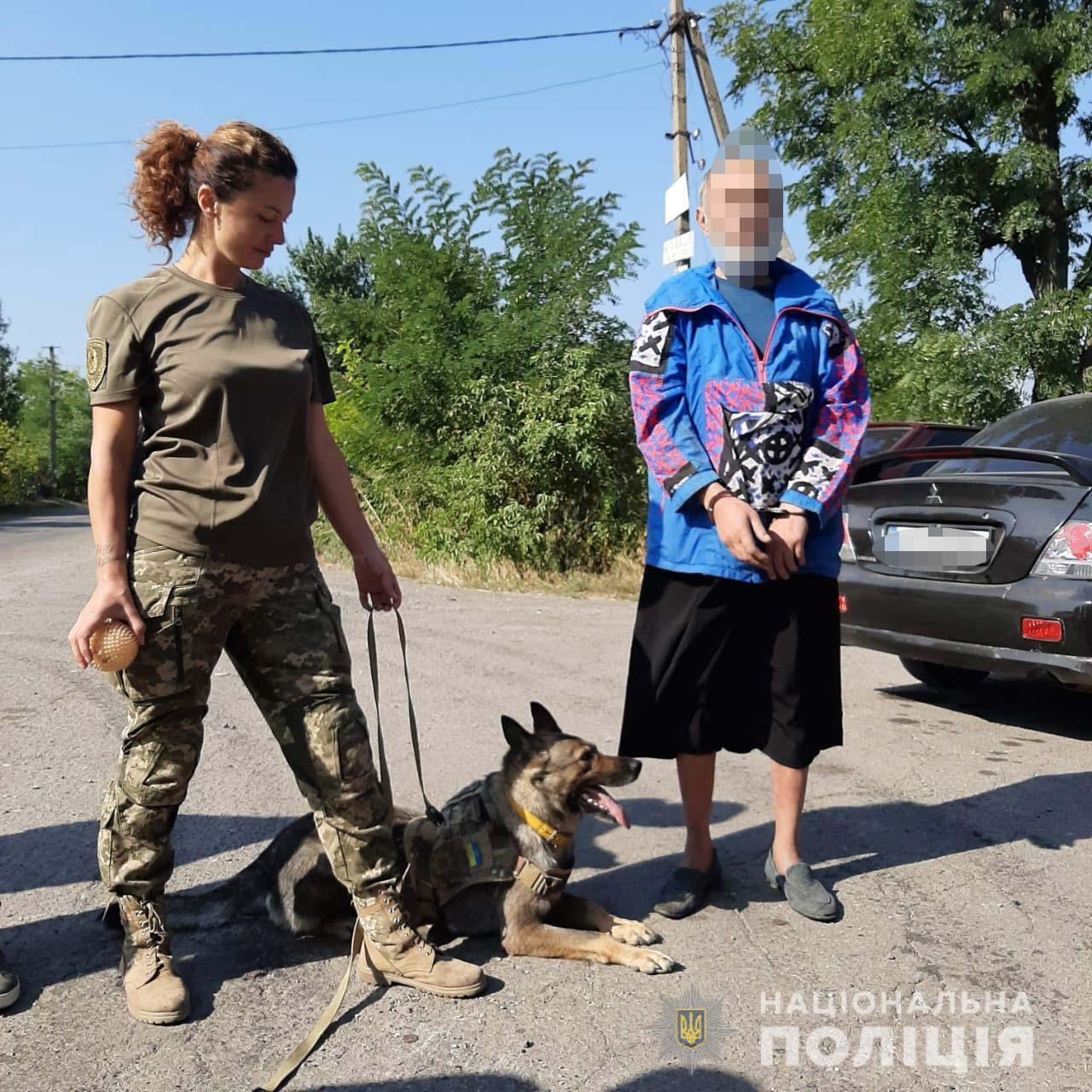 Под Днепром мужчина нанес смертельные ножевые ранения 71-летней женщине