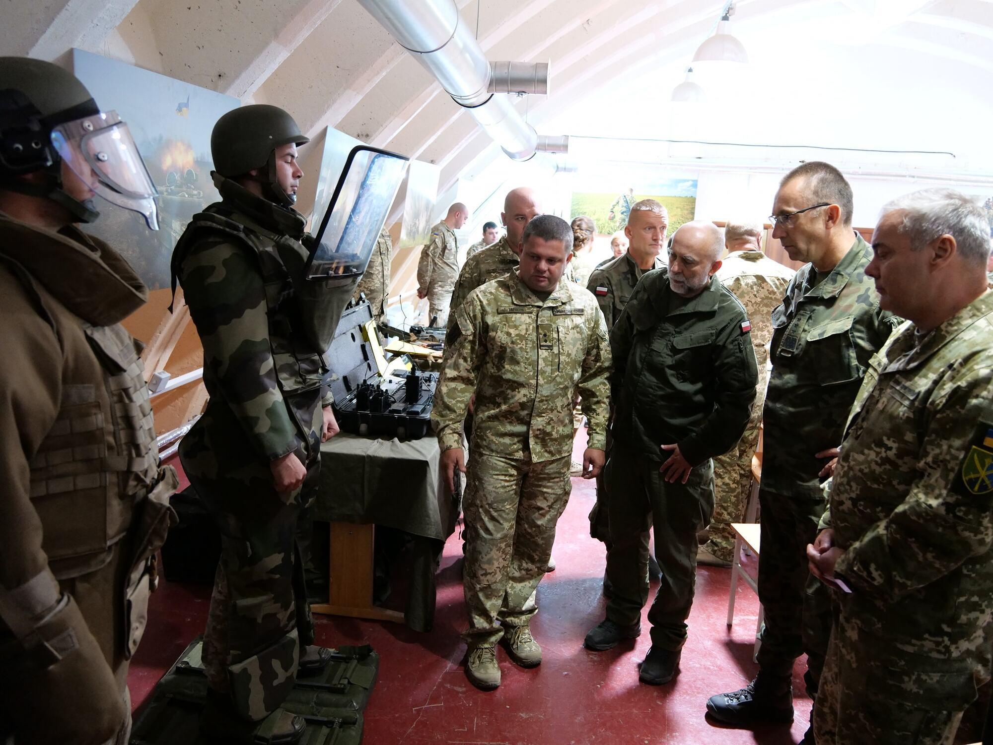 Польські військові відвідали один із підрозділів, що бере участь в ООС.