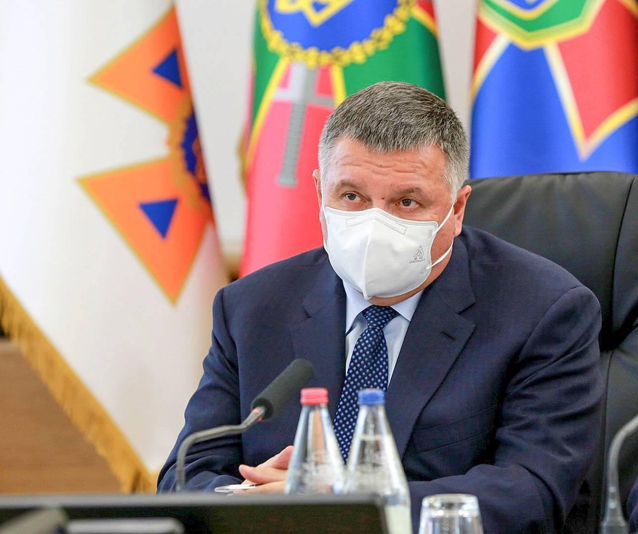 Аваков призвал участников выборов соблюдать закон.