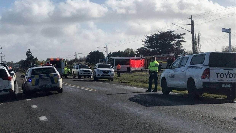 В результате столкновения автобуса с поездов пострадали 40 детей.