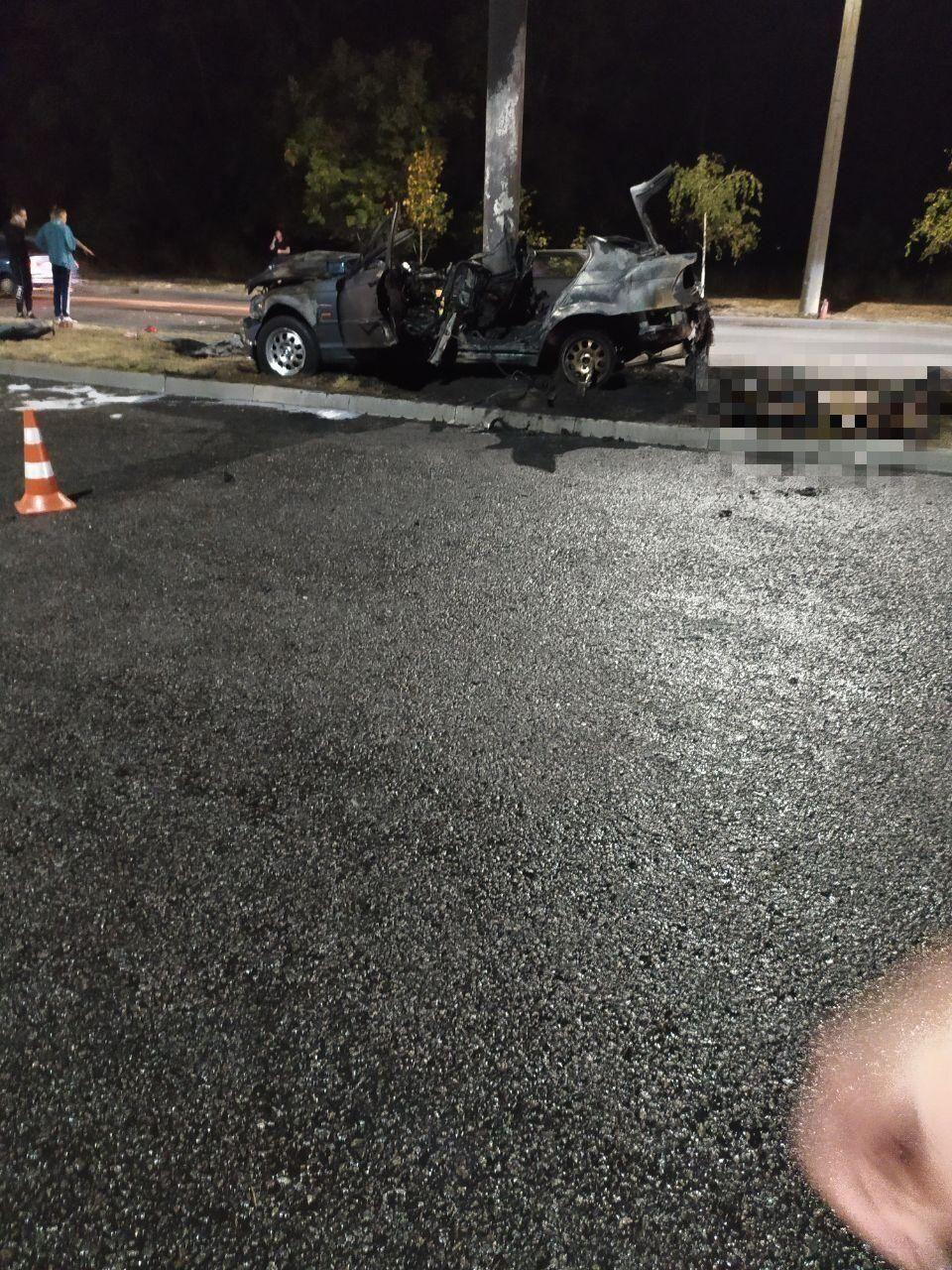 В ДТП пострадали три человека.