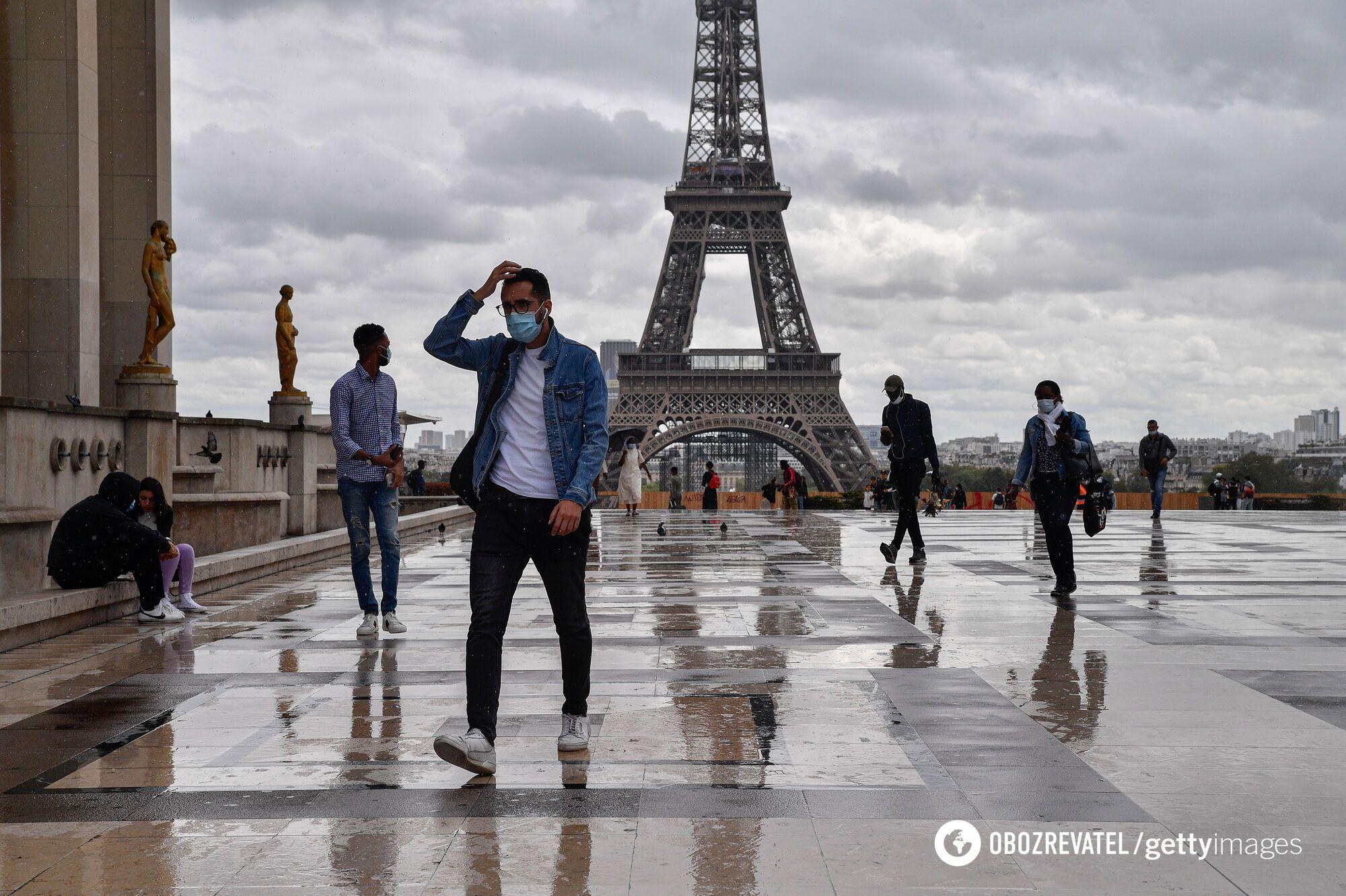 Карантину у Франції дотримуються не скрізь і не завжди.