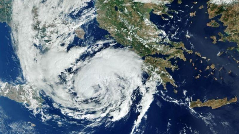 Вид из космоса на шторм Янос